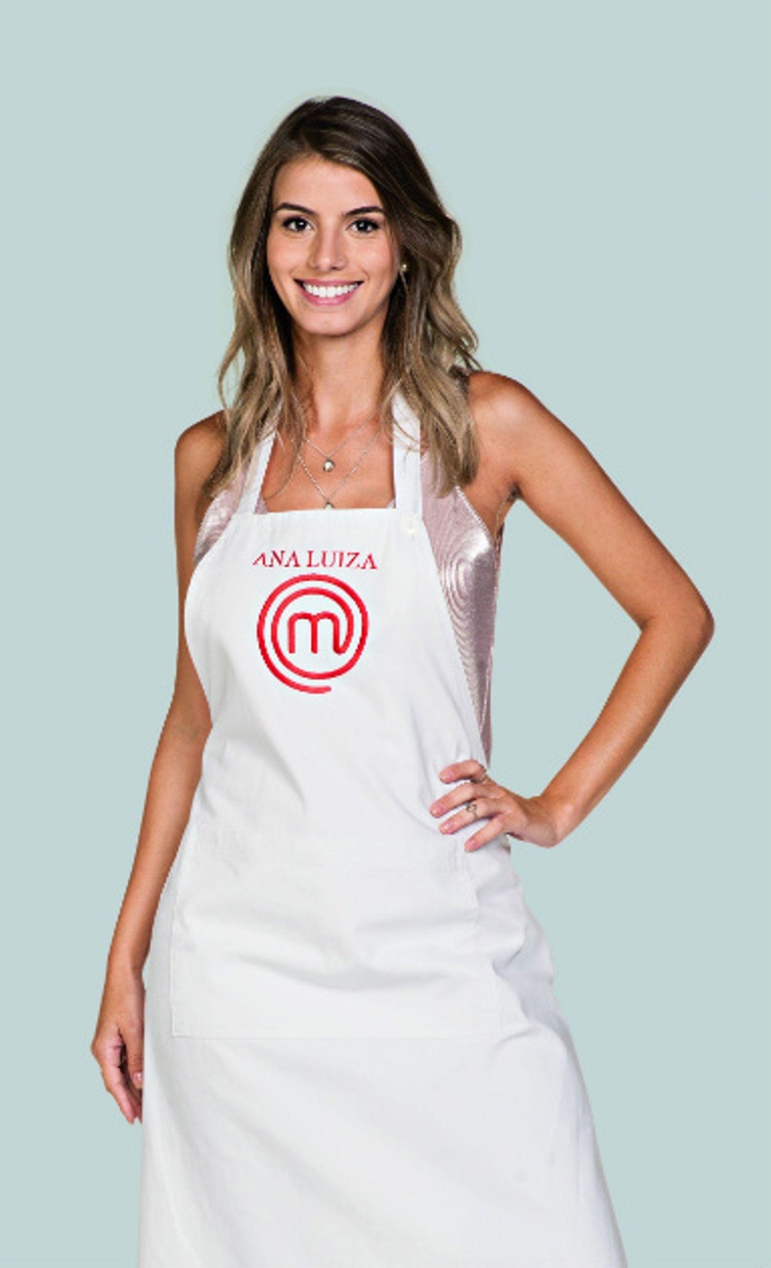 Ana Luiza Teixeira participante do Masterchef cozinha em